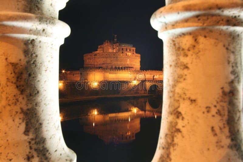 Floodlit замок на ноче стоковая фотография rf