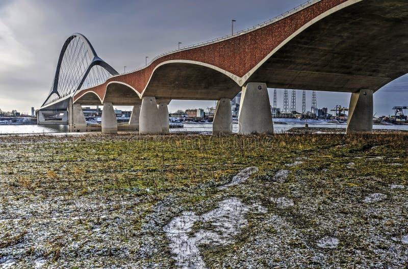 Floodplain, rzeka i most, obrazy stock