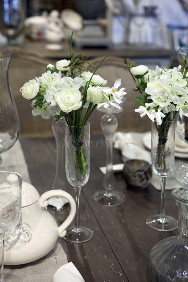 Flor artificial por el tiempo romántico fotografía de archivo