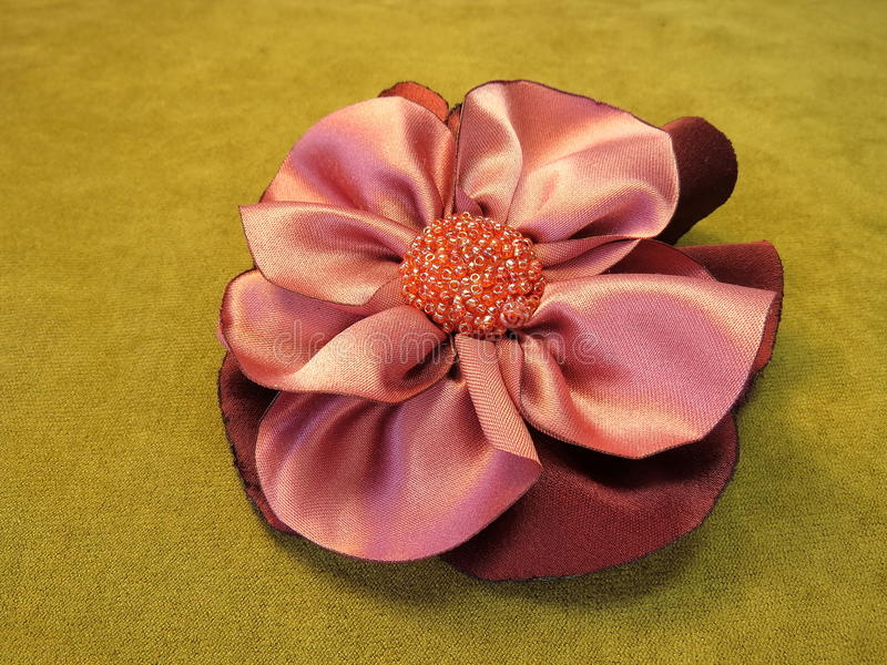 Flor artificial rosada de la tela imágenes de archivo libres de regalías