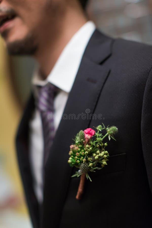 Flor de la boda para el novio imagen de archivo