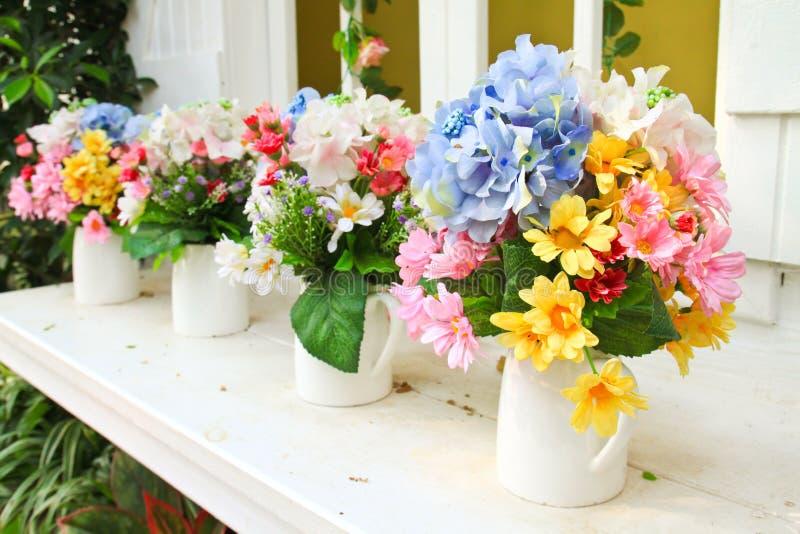 Flor decorada no jardim fotos de stock