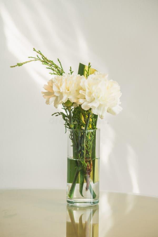 Flor del florero fotografía de archivo libre de regalías