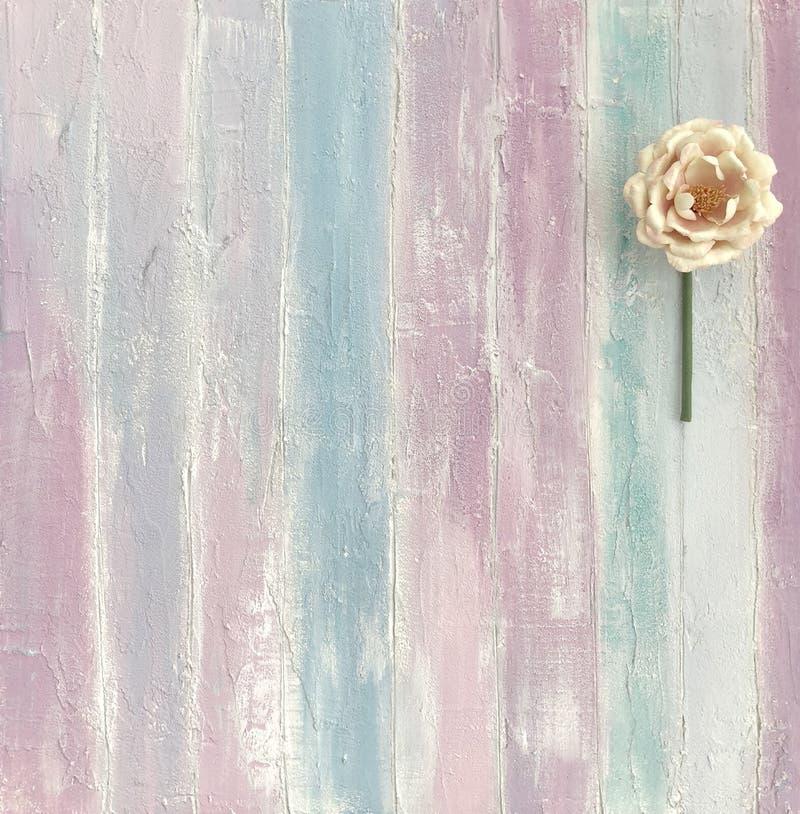 Flor en un fondo apacible imagen de archivo libre de regalías