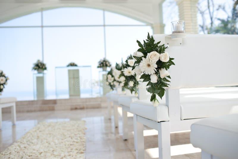 Download Flor na igreja foto de stock. Imagem de flores, ceremony - 26503790