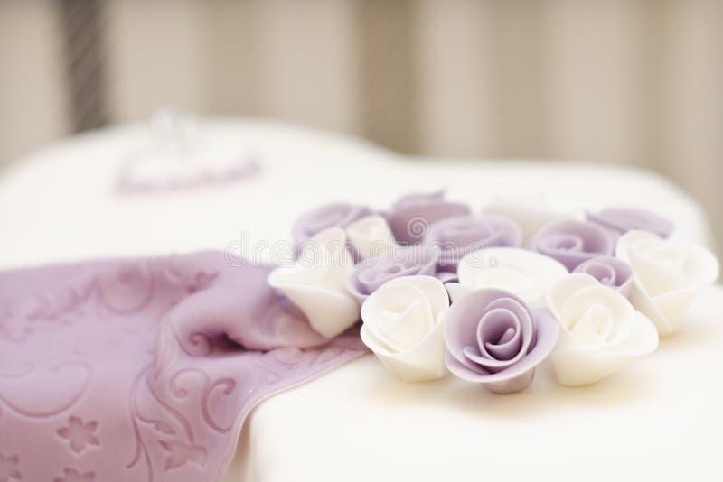 Flor no bolo imagem de stock royalty free