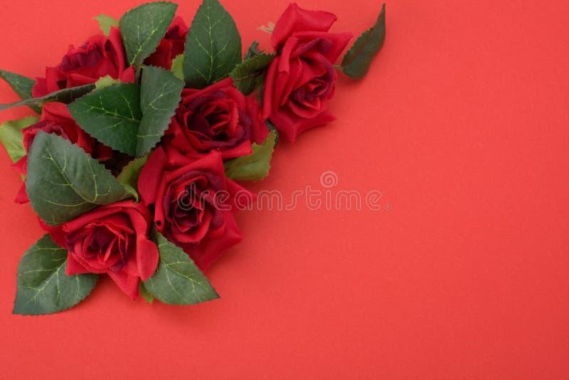 Download Floral κόκκινο ντεκόρ ανασκόπησ Στοκ Εικόνα - εικόνα από χρώμα, χαιρετισμός: 13179693