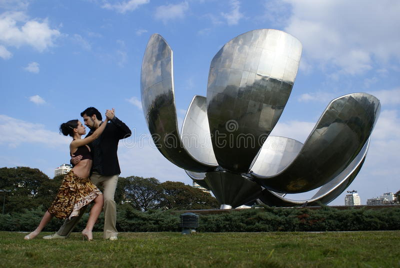 Floralis Generica de Buenos Aires et de tango photos stock