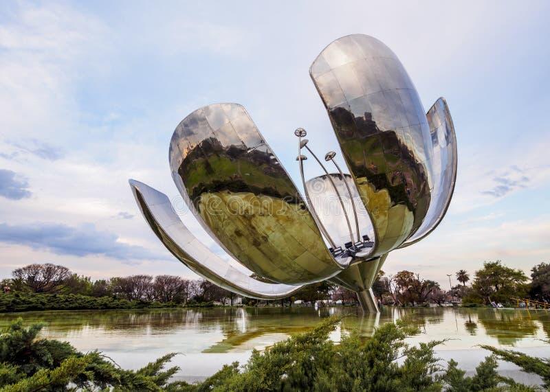 Floralis Generica en Buenos Aires imagen de archivo