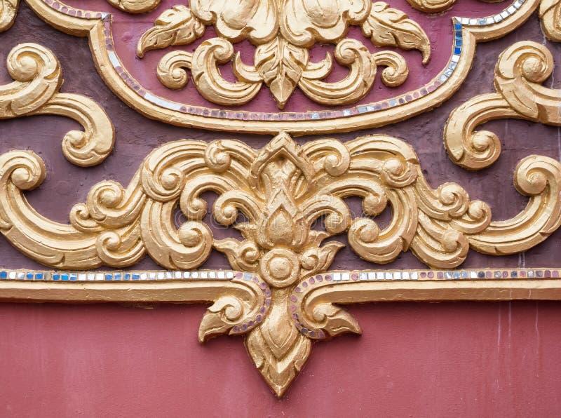 Floralny wzór stucco w tradycyjnym tajskim stylu zdjęcie royalty free