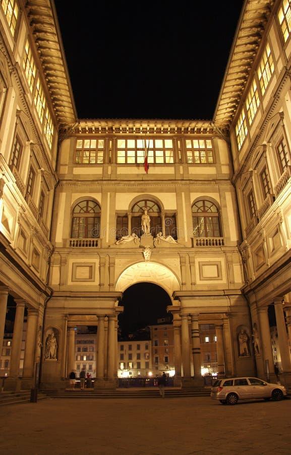 Florence, Album van Ufizzi bij nacht stock afbeeldingen