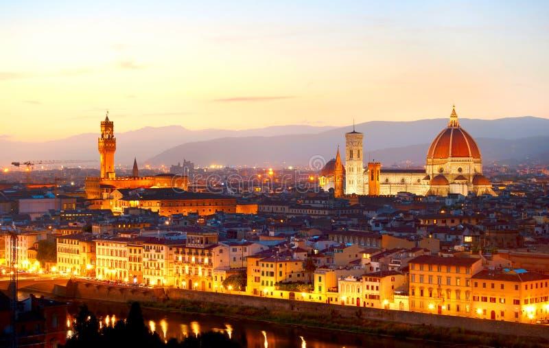 Florence bij schemer royalty-vrije stock afbeeldingen