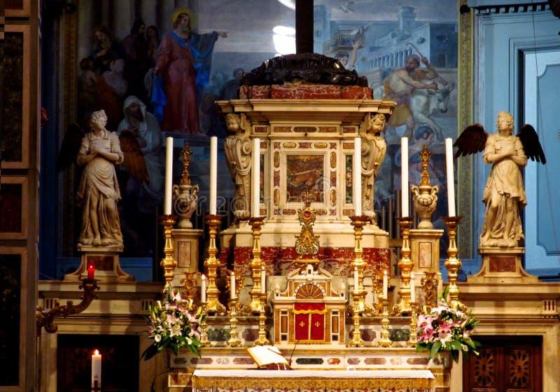 Florence Cathedral Basilica di Santa Maria del Fiore dentro l'altare del santuario fotografie stock libere da diritti