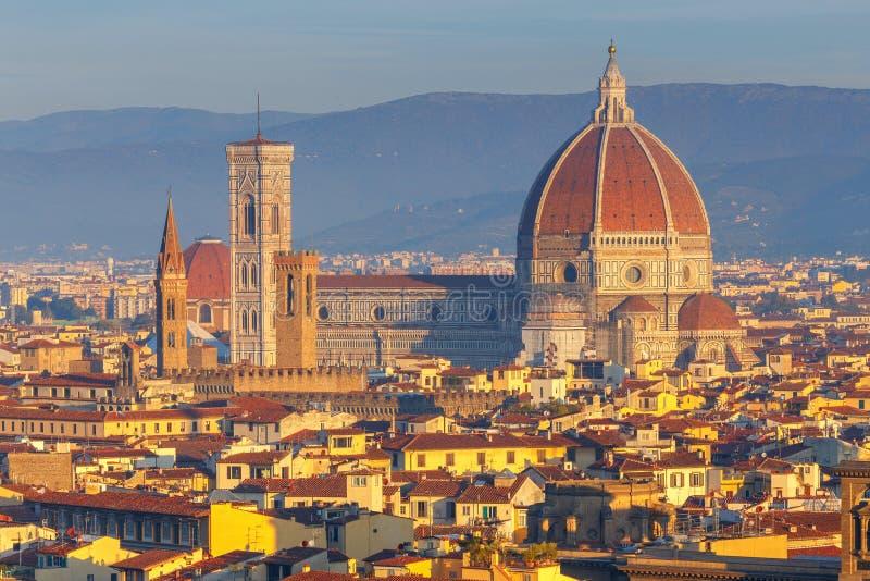 Florence Duomo på gryning arkivbild