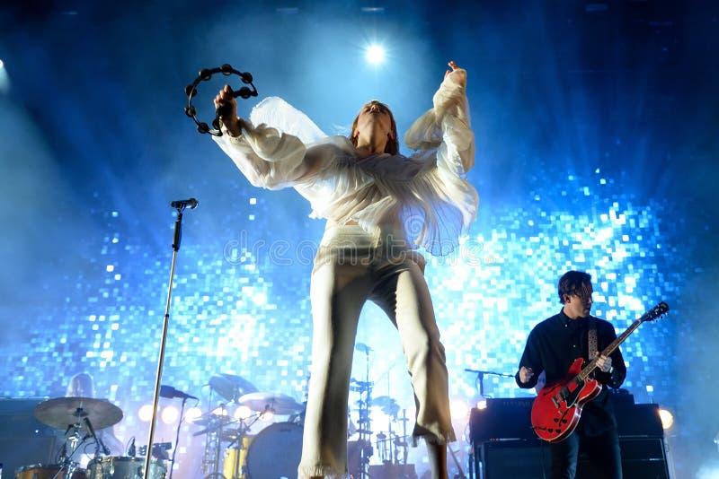 Florence en de Machine (pop band) in overleg bij FIB Festival stock foto