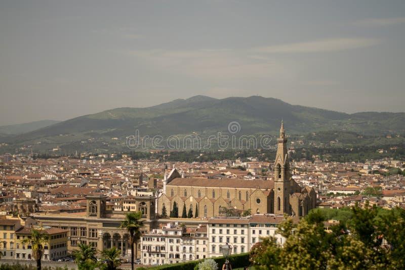 Florence Italien - 24 April, 2018: sikt på taken av Florence, royaltyfri fotografi