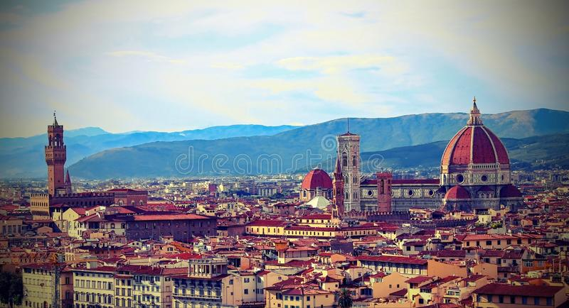 Florence Italy Fantastic sikt från Michelangelo Square royaltyfri bild