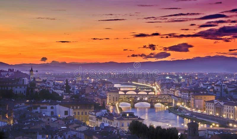 florence solnedgång arkivfoton