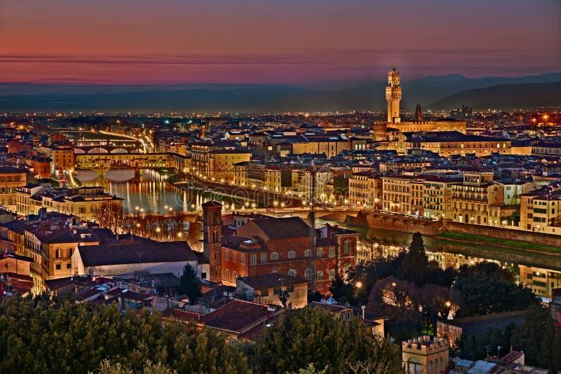image de florence ville illuminée