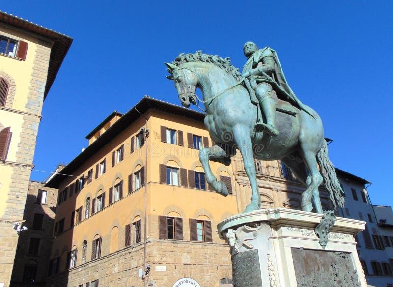 Florence Tuscany Italy, das Bronzemonument von Statue Cosimo Des 'Medici auf dem Marktplatz della Signoria stockbilder