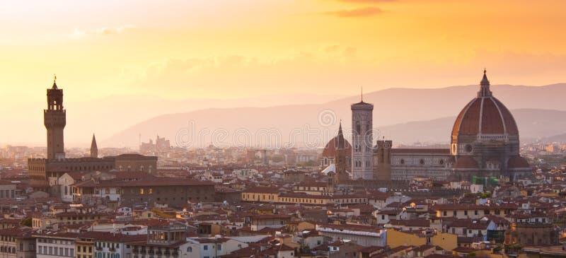 Florence van Duomo e Palazzo Signoria stock foto's