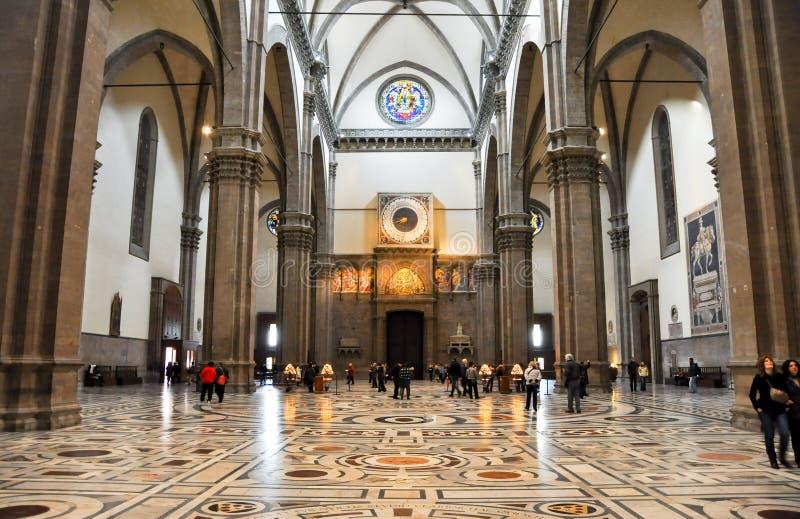FLORENCIA 10 DE NOVIEMBRE: El cubo de los di Santa Maria del Fiore de la basílica y del reloj en noviembre 10,2010 en Florencia, I fotos de archivo