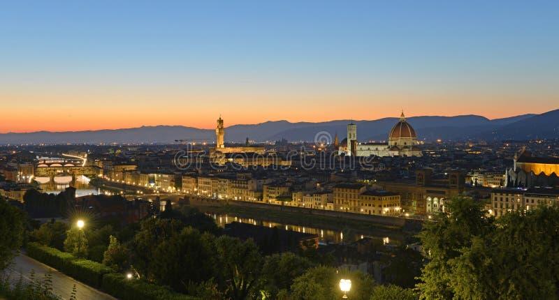 Florencia en la noche foto de archivo