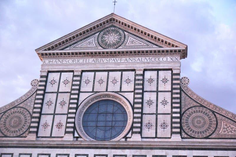 Florencia, Italia - 3 de septiembre de 2017: Catedral hermosa de Santa Maria Novella en la puesta del sol fotos de archivo libres de regalías