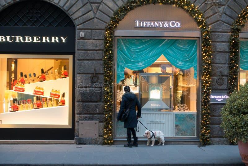FLORENCJA WŁOCHY, GRUDZIEŃ, - 29, 2015: Tiffany & Co sklep zdjęcia royalty free