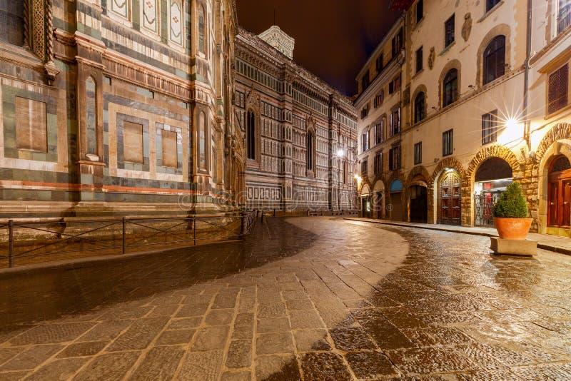 Florenz Gemütliche Häuser unter dem romantischen Meer der Sterne lizenzfreies stockfoto