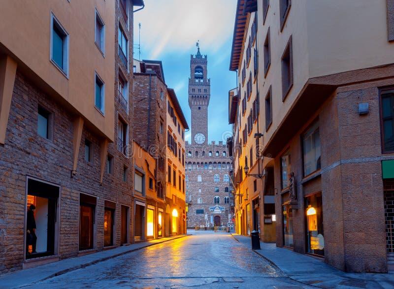 Florenz Gemütliche Häuser unter dem romantischen Meer der Sterne lizenzfreies stockbild
