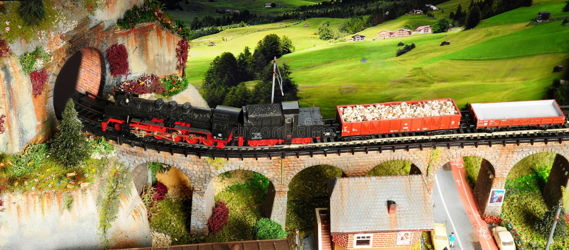 Florenz, ITALIEN - 18. März 2019: Miniatureisenbahnmodellbau mit Zügen stockbild