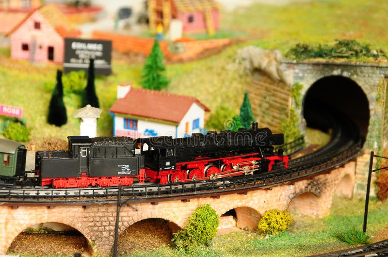Florenz, ITALIEN - 18. März 2019: Miniatureisenbahnmodellbau mit Zügen lizenzfreies stockfoto