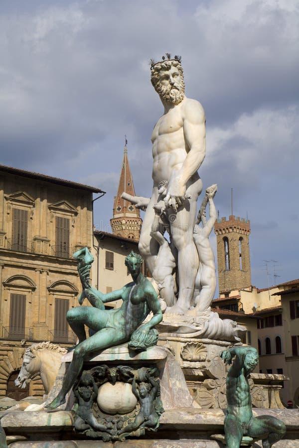 Florenz-- Neptun-Brunnen lizenzfreie stockfotos