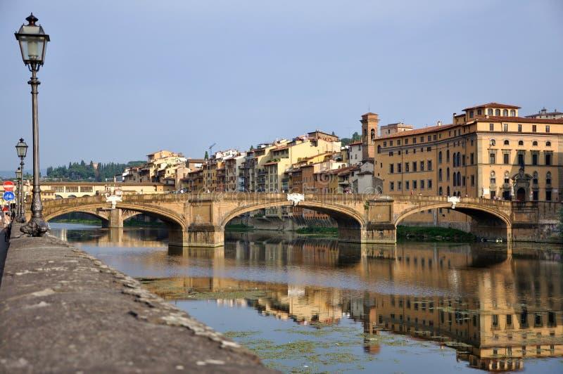Florenz-Stadtbild bis zum Tag, Ponte Vecchio lizenzfreies stockfoto