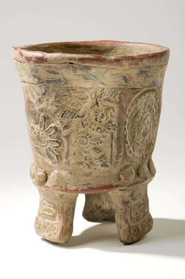 Florero azteca de la arcilla fotos de archivo