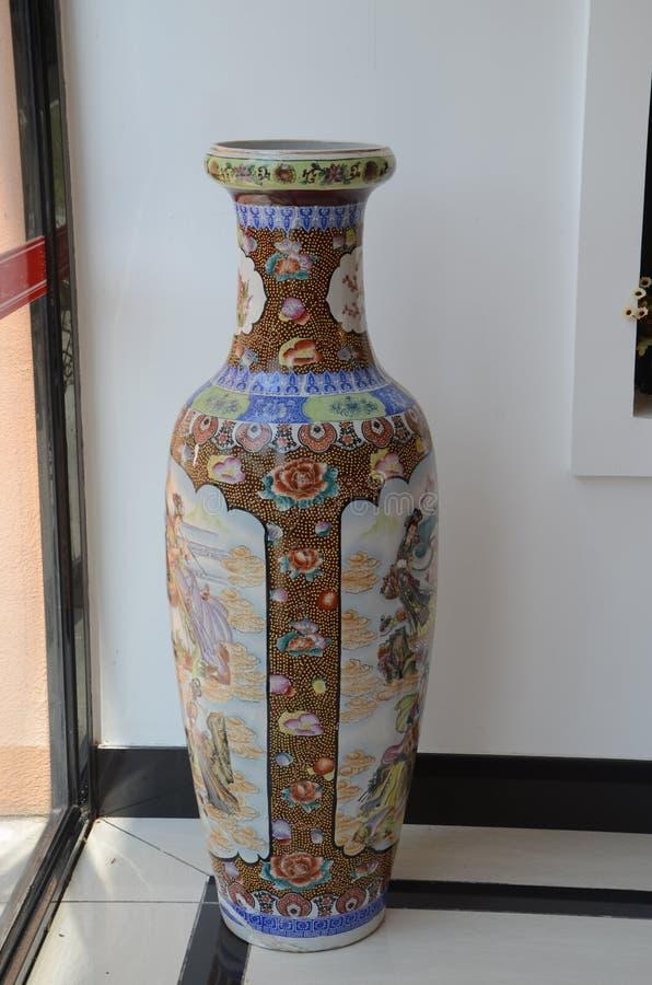 Florero chino hermoso de la porcelana foto de archivo libre de regalías