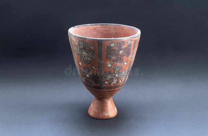 Florero de cerámica precolombino llamado 'Huaco 'de Nazca, una cultura peruana antigua fotografía de archivo