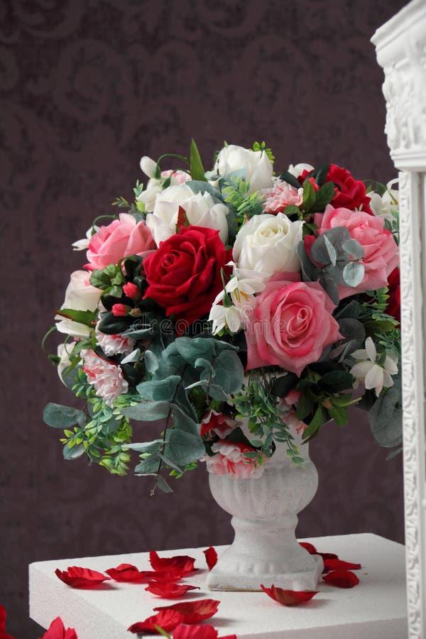 Florero de flores fotos de archivo libres de regalías
