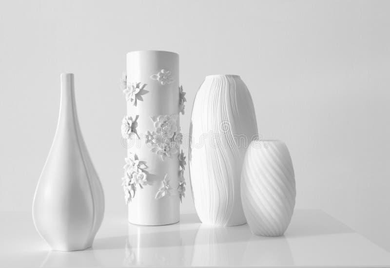 Florero moderno blanco imágenes de archivo libres de regalías