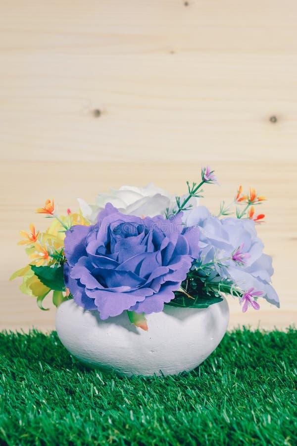 Floreros falsos hermosos imagen de archivo libre de regalías