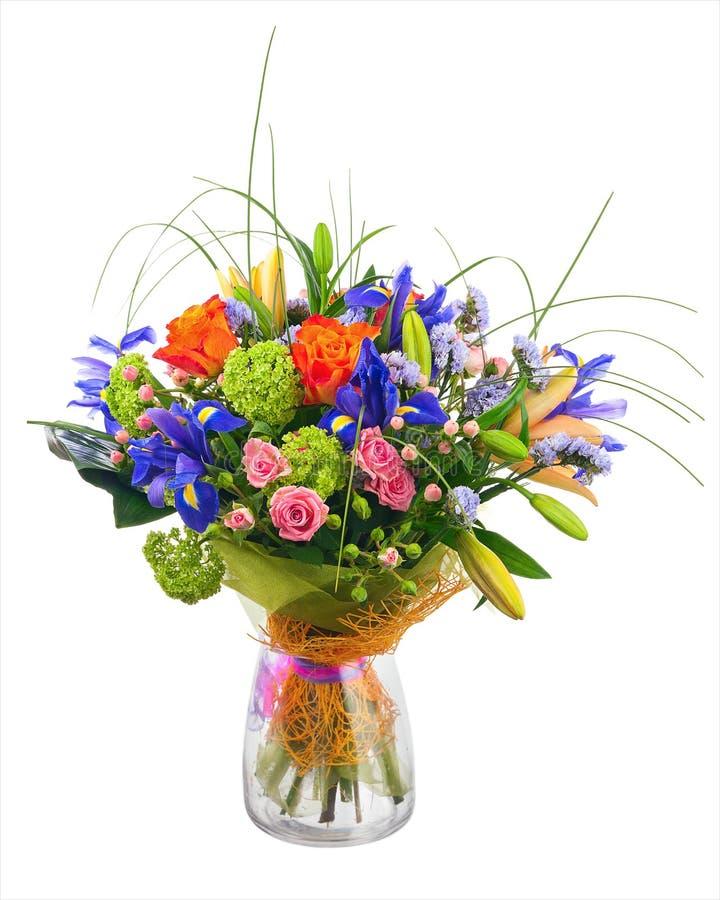 Floresça o ramalhete das rosas, da íris e das flores do statice imagens de stock royalty free