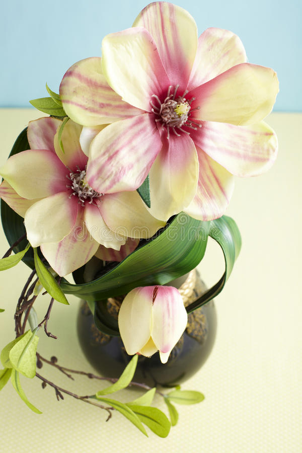 Flores artificiais decorativas foto de stock