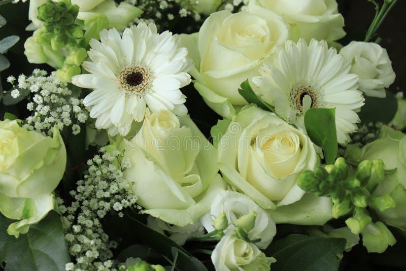 Flores blancas de la boda imagen de archivo libre de regalías