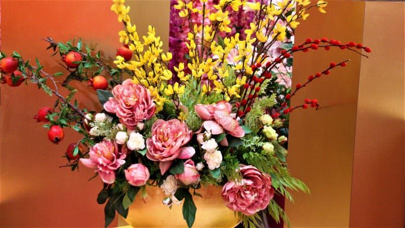 Flores chinesas da multi-cor do ano novo no pavilhão, Kuala Lumpur Malaysia imagens de stock
