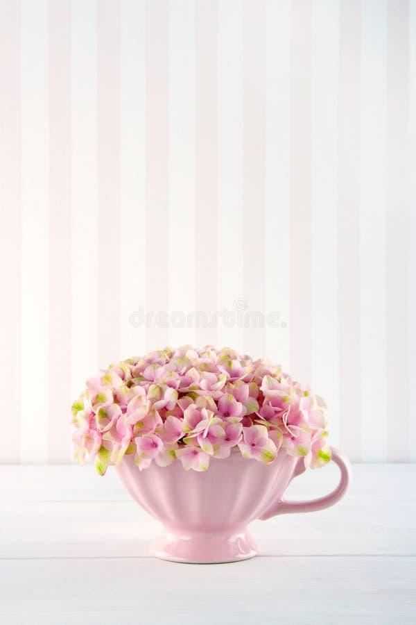 Flores cor-de-rosa decorativas da hortênsia imagem de stock
