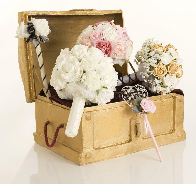 Flores da caixa e da seda fotos de stock royalty free