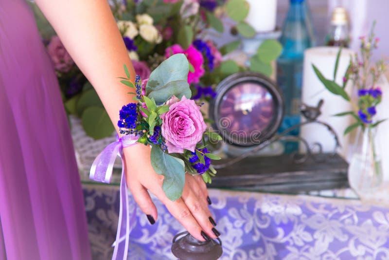 Flores das damas de honra Composição Floristic no estilo do vintage Th fotos de stock