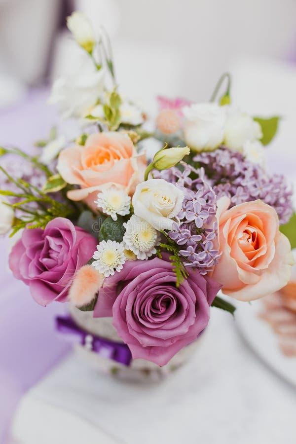 Flores de la decoración de la boda imagen de archivo libre de regalías