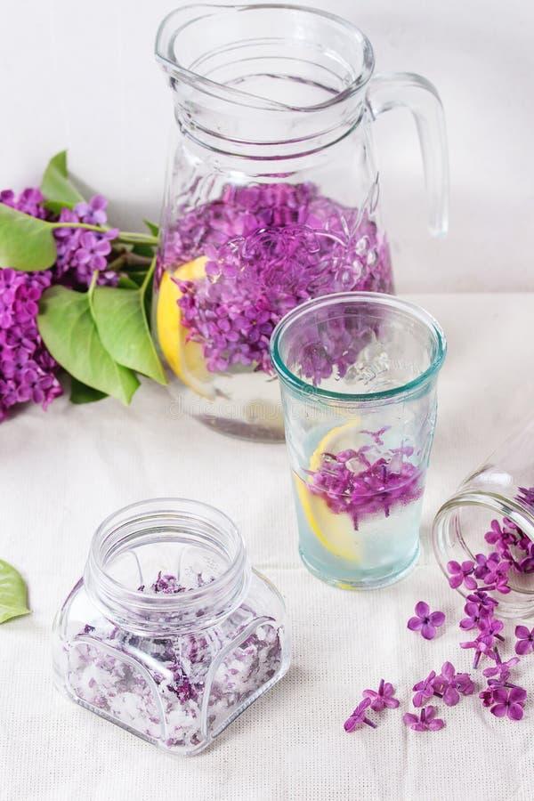 Flores de la lila en azúcar foto de archivo libre de regalías